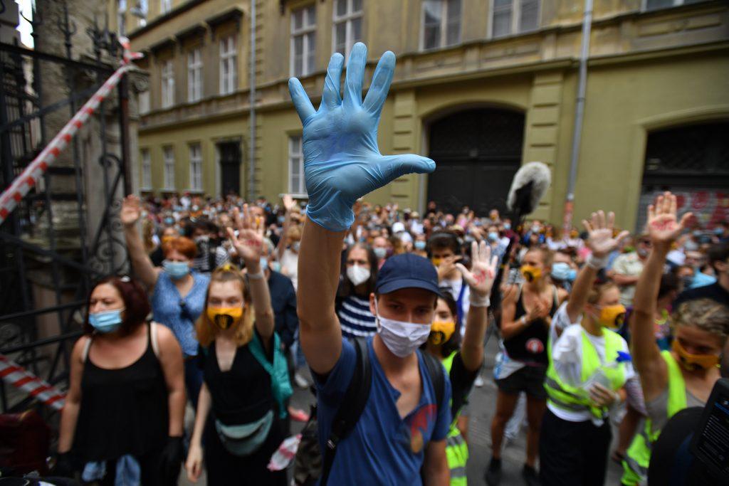 Demo für Solidarität mit Universität für Theater- und Filmkunst