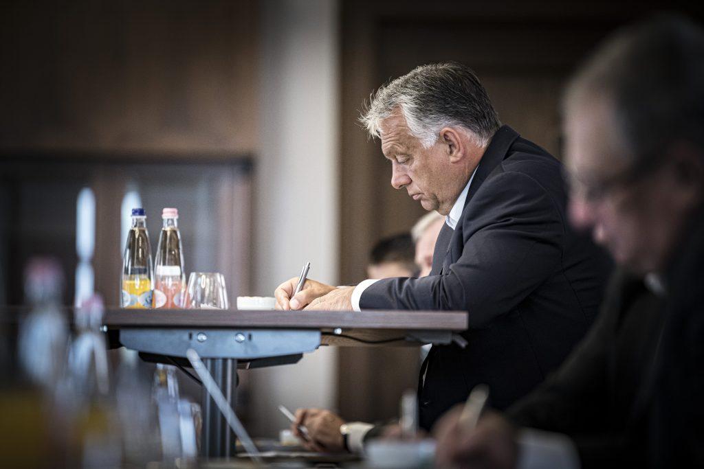 """Orbán in der Tageszeitung """"Magyar Nemzet"""": """"Weltweit versucht eine liberale Elite, Europas christliche Konservative zu zerstören"""""""