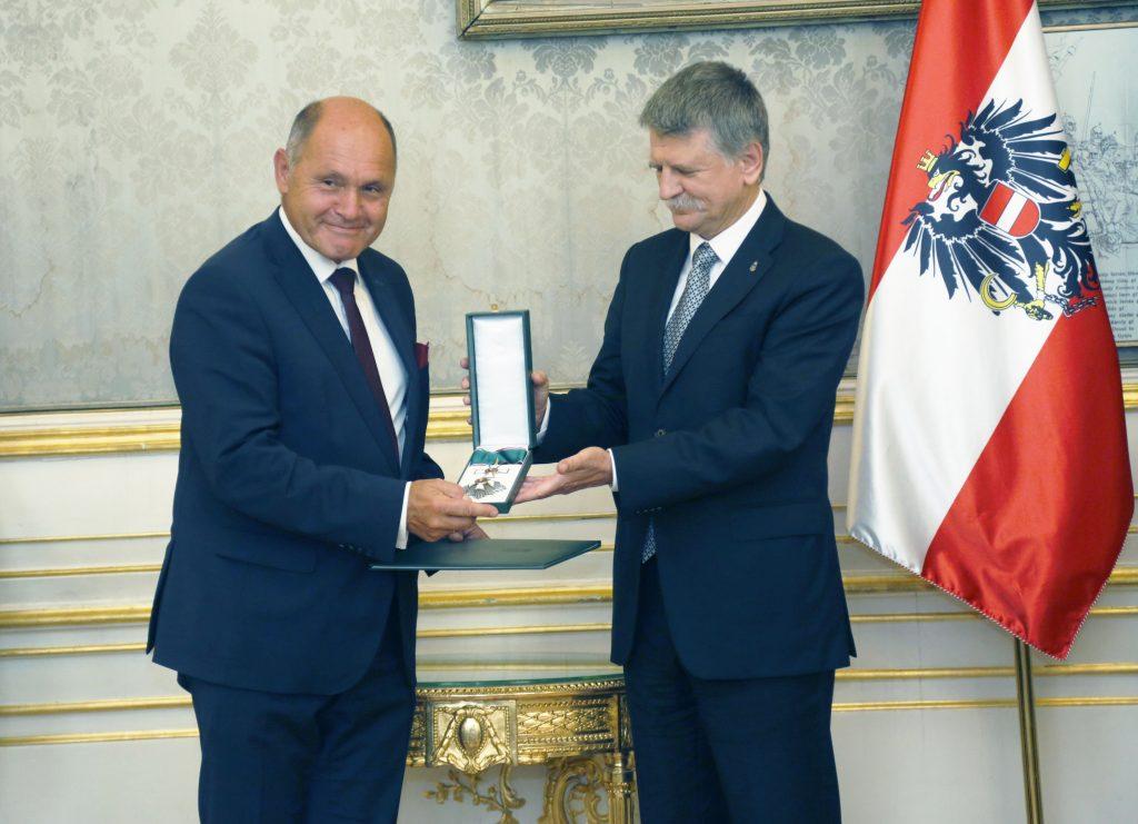 Ungarn ehrt Nationalratspräsident Wolfgang Sobotka mit Verdienstkreuz