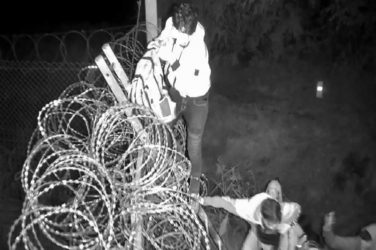 Migranten bei Röszke gestoppt