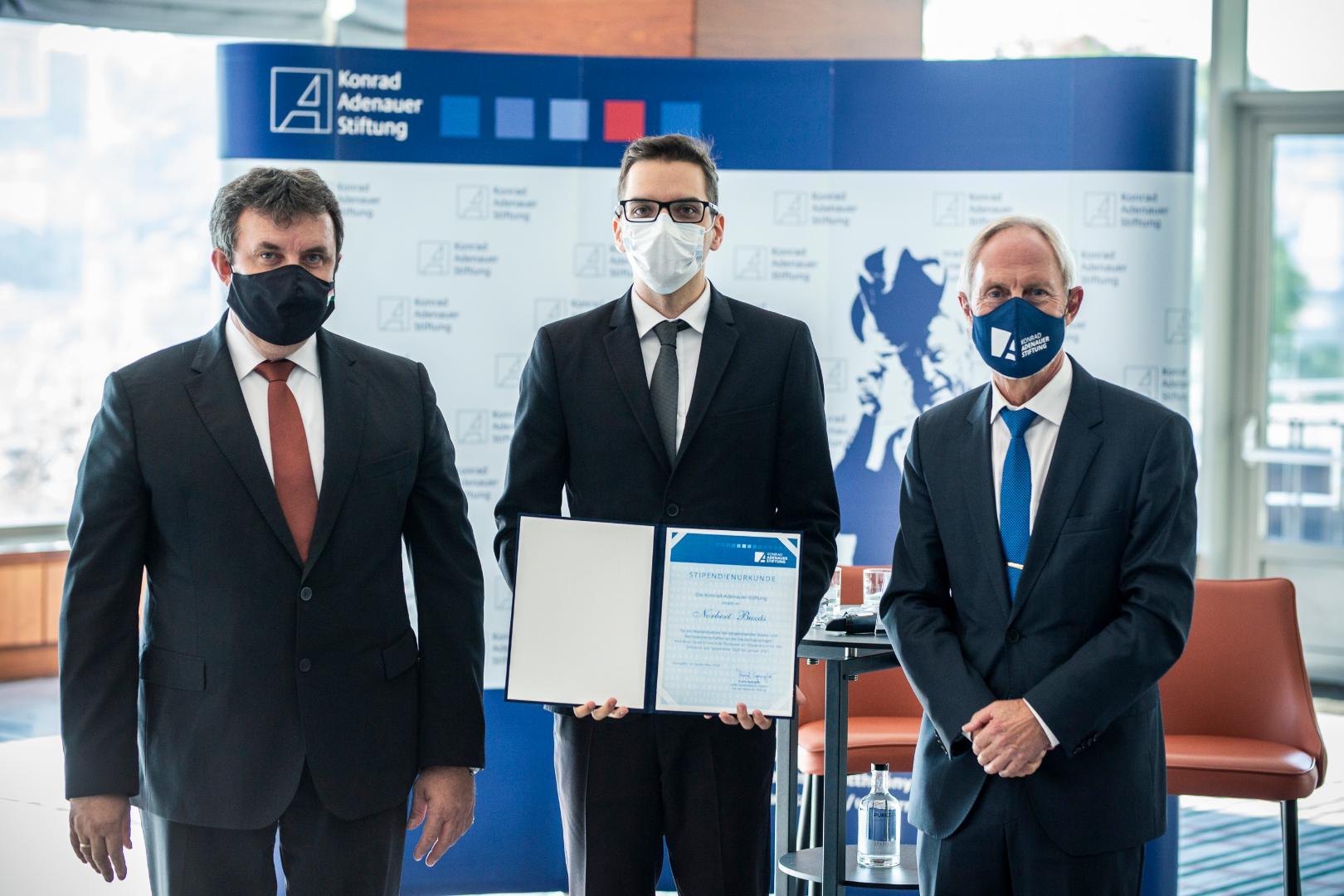 """""""Austausch junger Studenten trägt zu den guten deutsch-ungarischen Beziehungen bei"""" post's picture"""