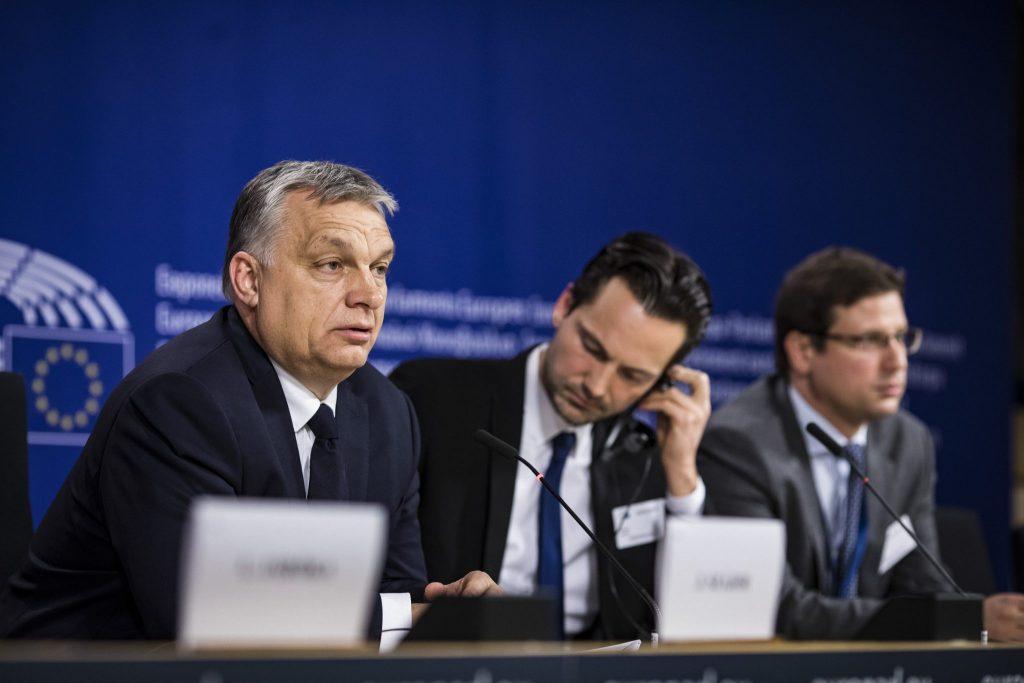 EVP stimmt über Fidesz-Mitgliedschaft immer noch nicht ab