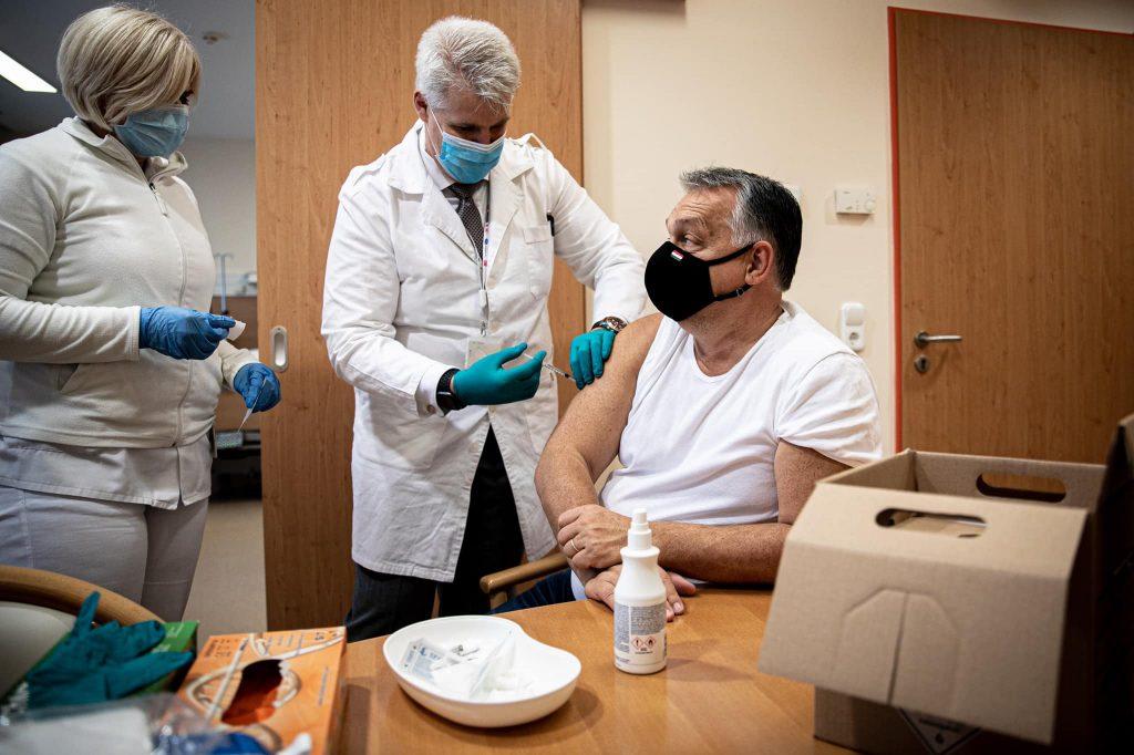 Orbán lässt sich gegen Grippe impfen