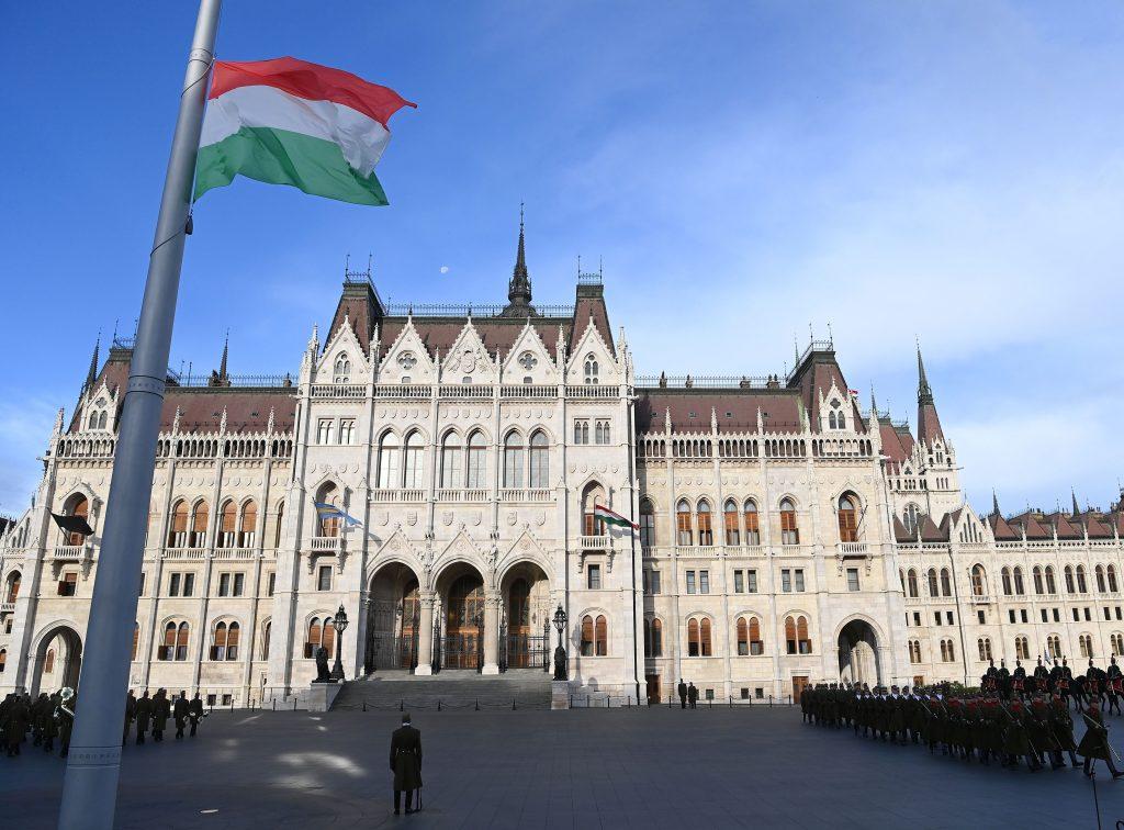 """Präsident Áder: """"Der heldenhafte Tod der Märtyrer von Arad wurde zu einer Kraftquelle für Ungarn"""""""
