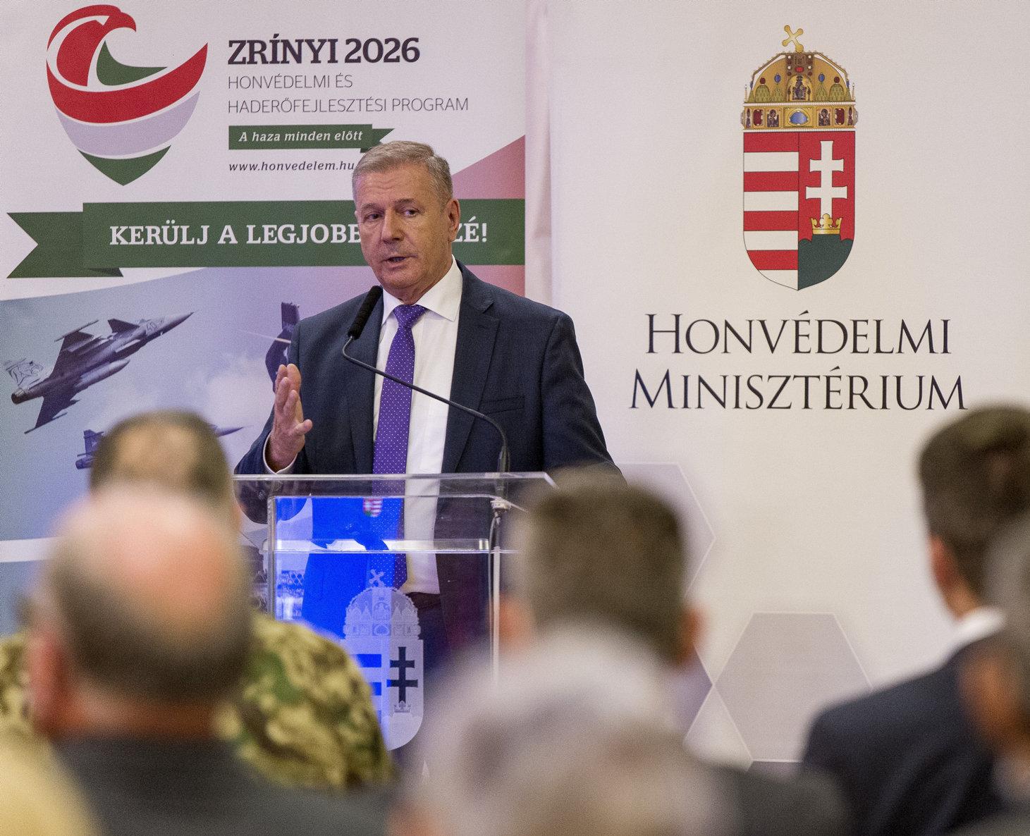 Verteidigungsminister: Entwicklung der Armee verläuft planmäßig