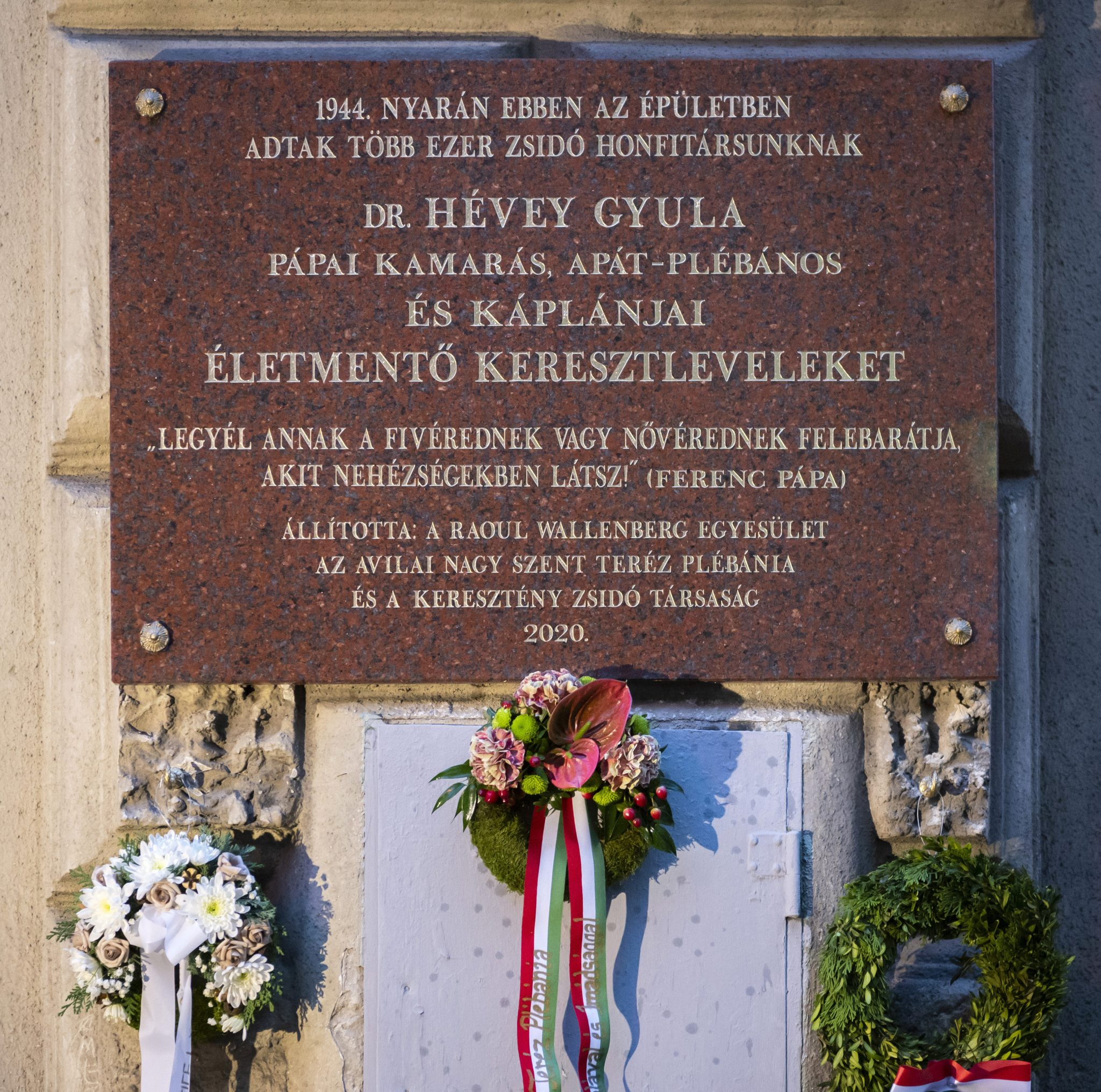Judenretter Priester bekommt Gedenktafel in Budapest post's picture