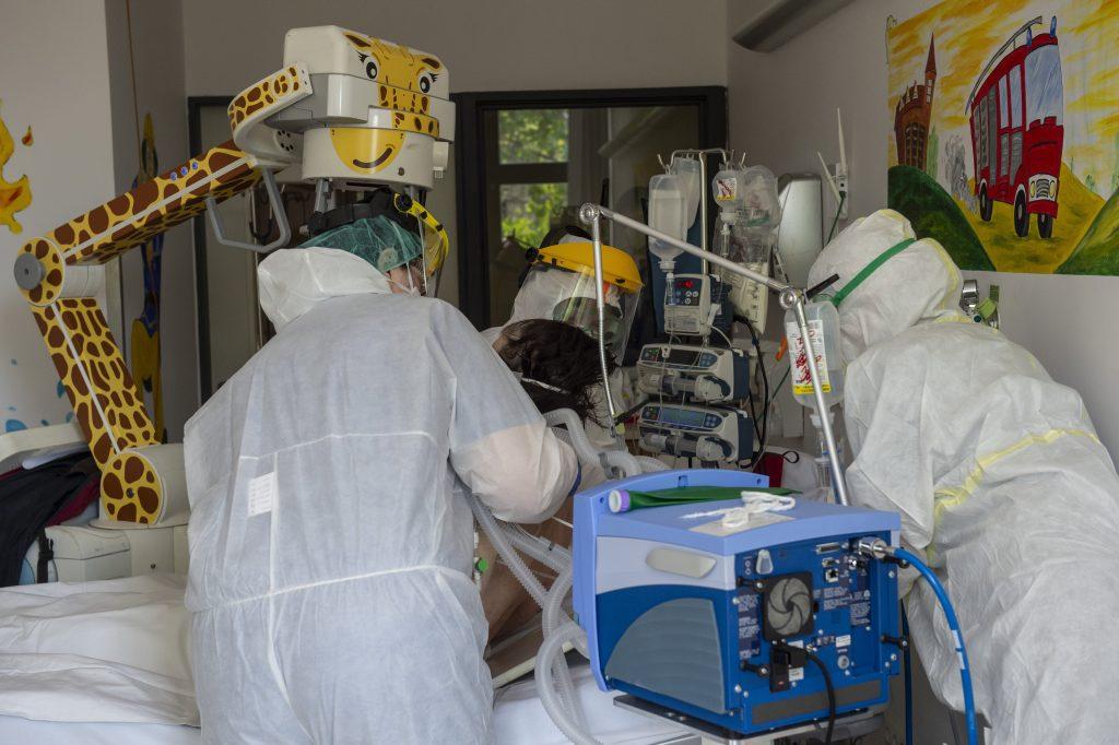 Coronavirus-Traurige Rekordzahlen: 1374 Neuinfizierte, 1174 im Krankenhaus, 110 maschinell beatmet