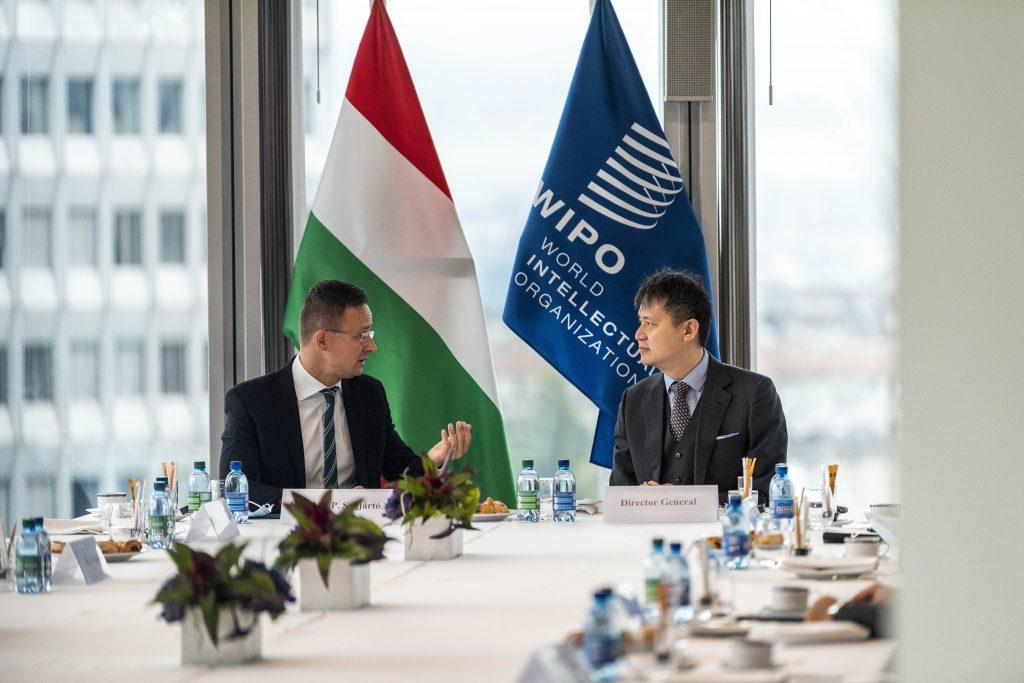 Außenminister Szijjártó eröffnet Konsulat in Genf