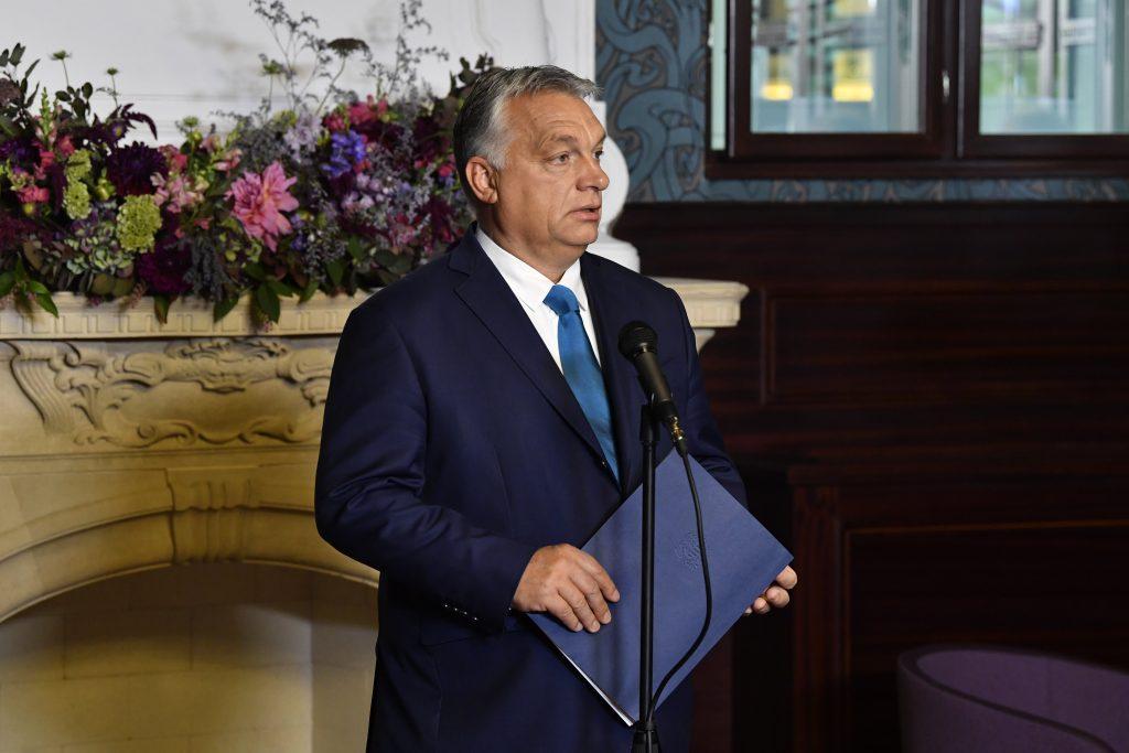 Orbán eröffnet Kertész-Institut in Budapest