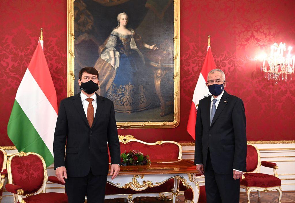 """Präsident Áder in Wien: """"Durch die gutnachbarlichen Beziehungen wollen wir die wirtschaftlichen Schäden zu reduzieren"""""""