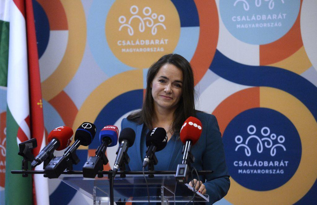 Budapost: Hickhack um Video der Familienministerin