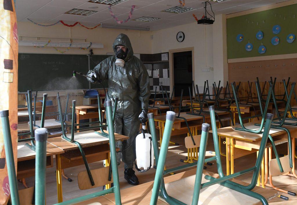 Insgesamt 71 Schulen haben den Unterricht in Ungarn eingestellt