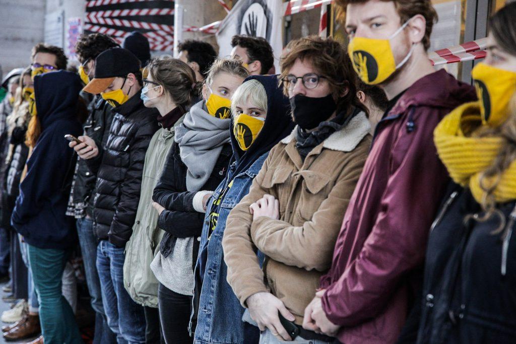 Studenten der Universität für darstellende Kunst geben die Blockade nicht auf