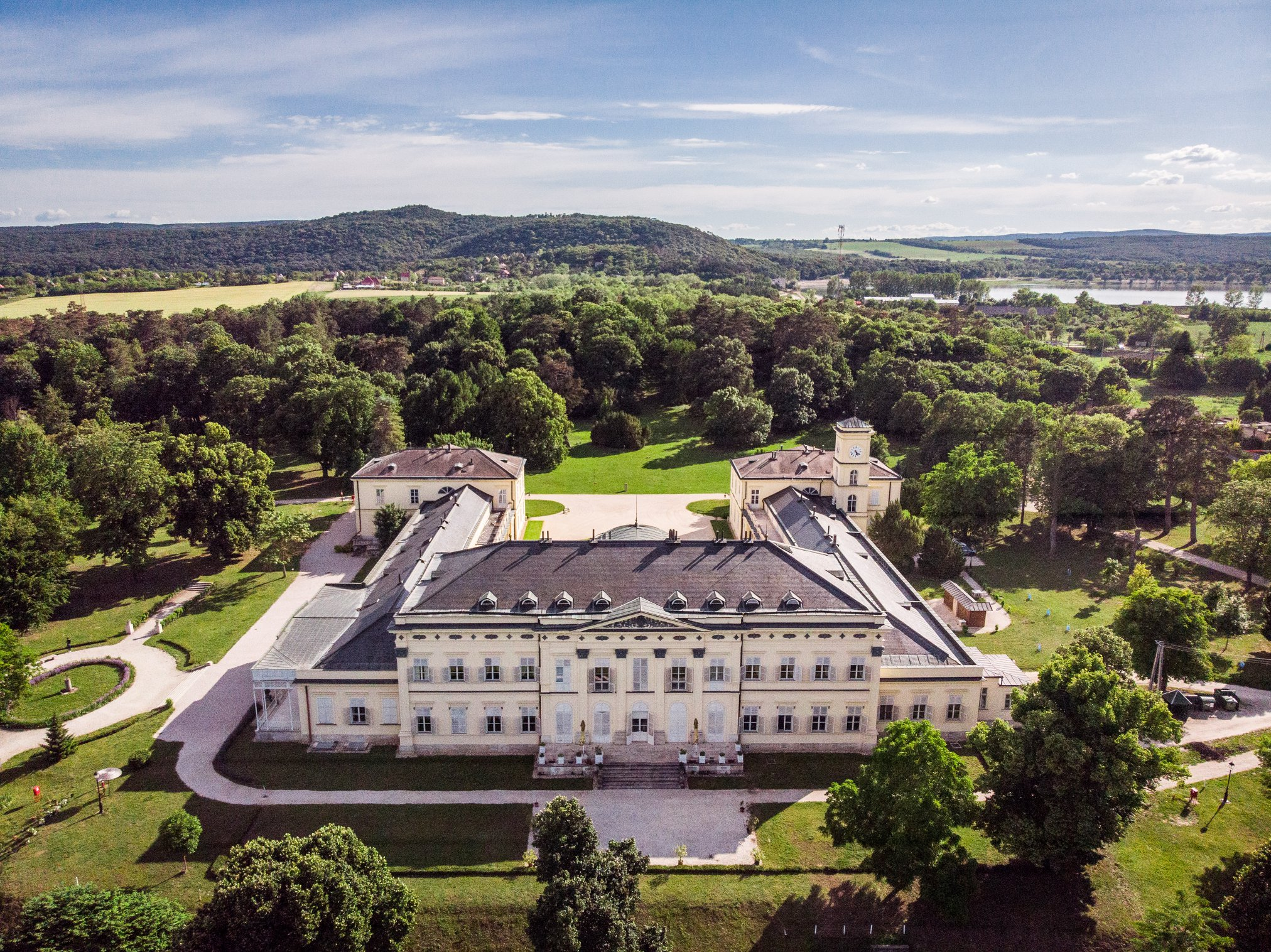 Ungarns Burgen und Schlösser erhalten ihren alten Glanz zurück