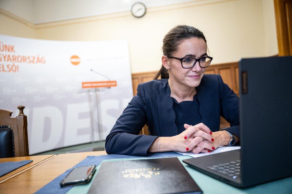 Familienministerin Novák: Babybetreuungsgeld ab Juli 2021 erhöht
