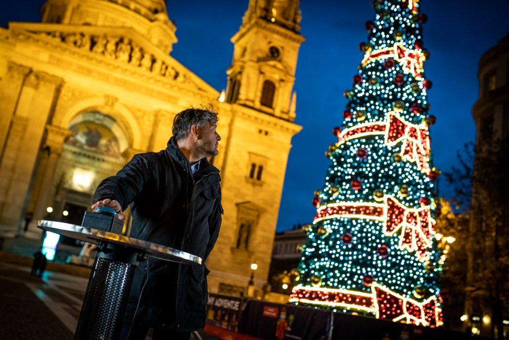 Advent: So entflammte die erste Kerze vor der Budapester St.-Stephans-Basilika – Video!