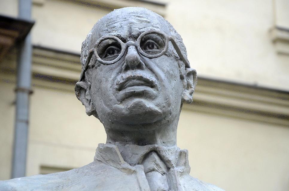 Denkmal für den ehemaligen Premierminister Pál Teleki in Krakau errichtet