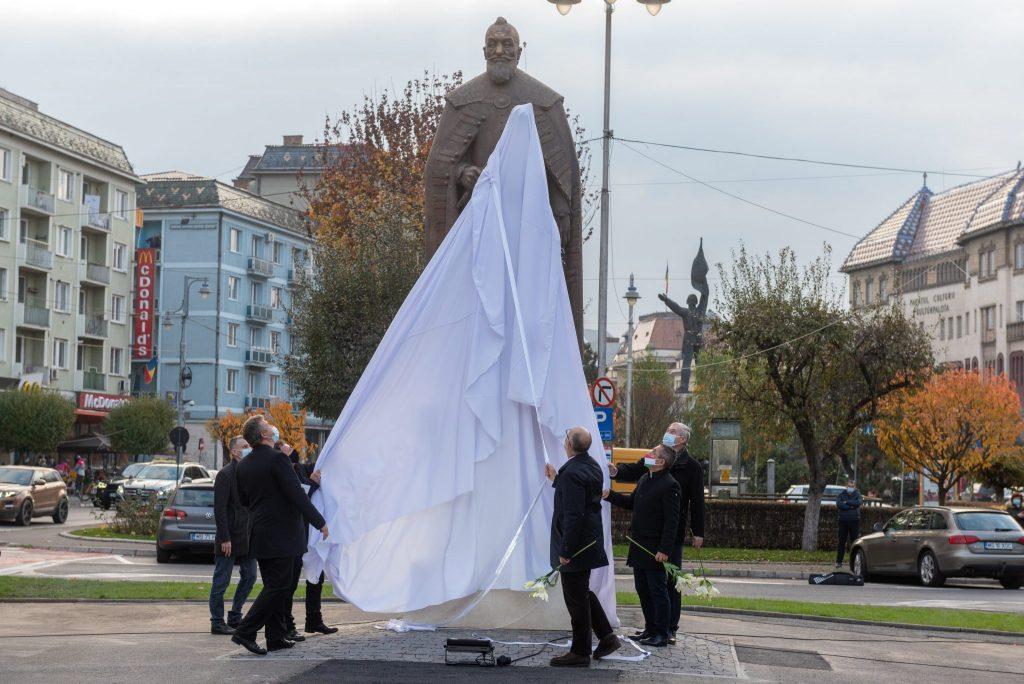 Denkmal des Siebenbürgen Prinzen Bethlen in Marosvásárhely (Târgu Mureș) eingeweiht post's picture