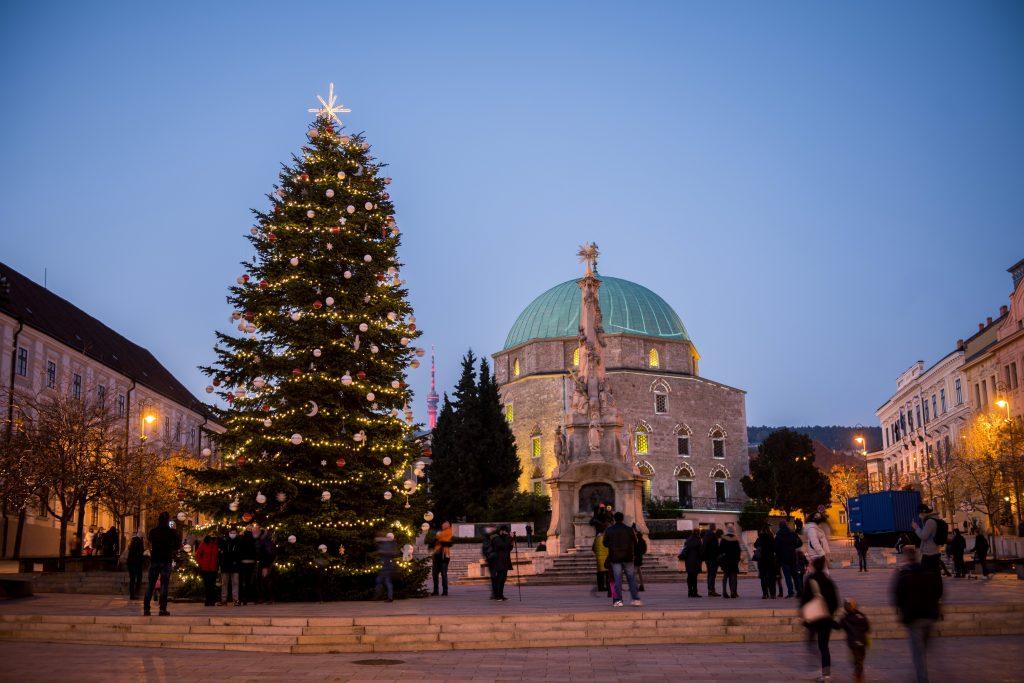 Faszinierende Fotos von Ungarn in einer seltsamen Adventszeit