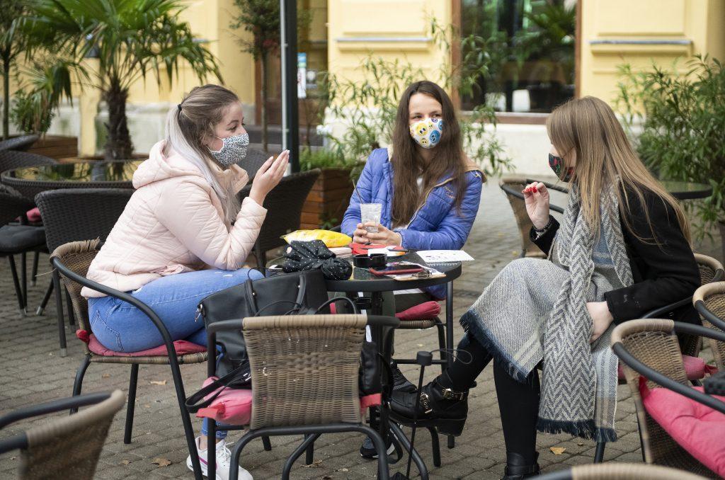 Budapost: Neue Beschränkungen zur Bekämpfung der Pandemie angekündigt