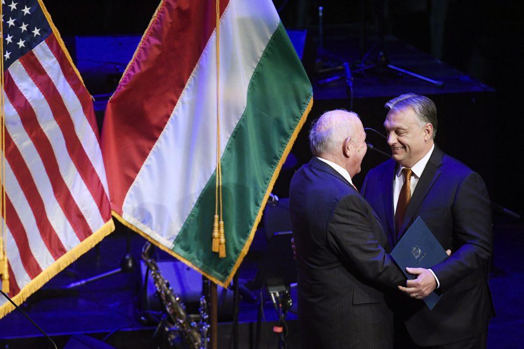 Ungarns Ellbogenfreiheit wird schmaler unter einem Präsidenten Joe Biden