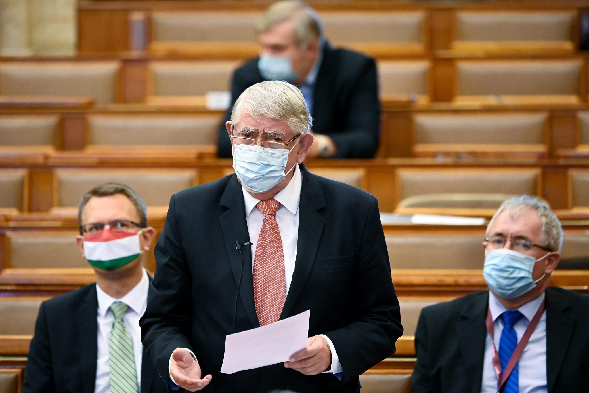 Ungarn wird voraussichtlich Anfang nächsten Jahres Impfstoffe zur Verfügung haben