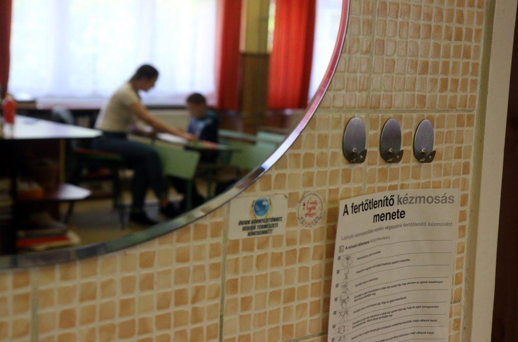 Die Lehrergewerkschaft fordert die Schließung öffentlicher Bildungseinrichtungen
