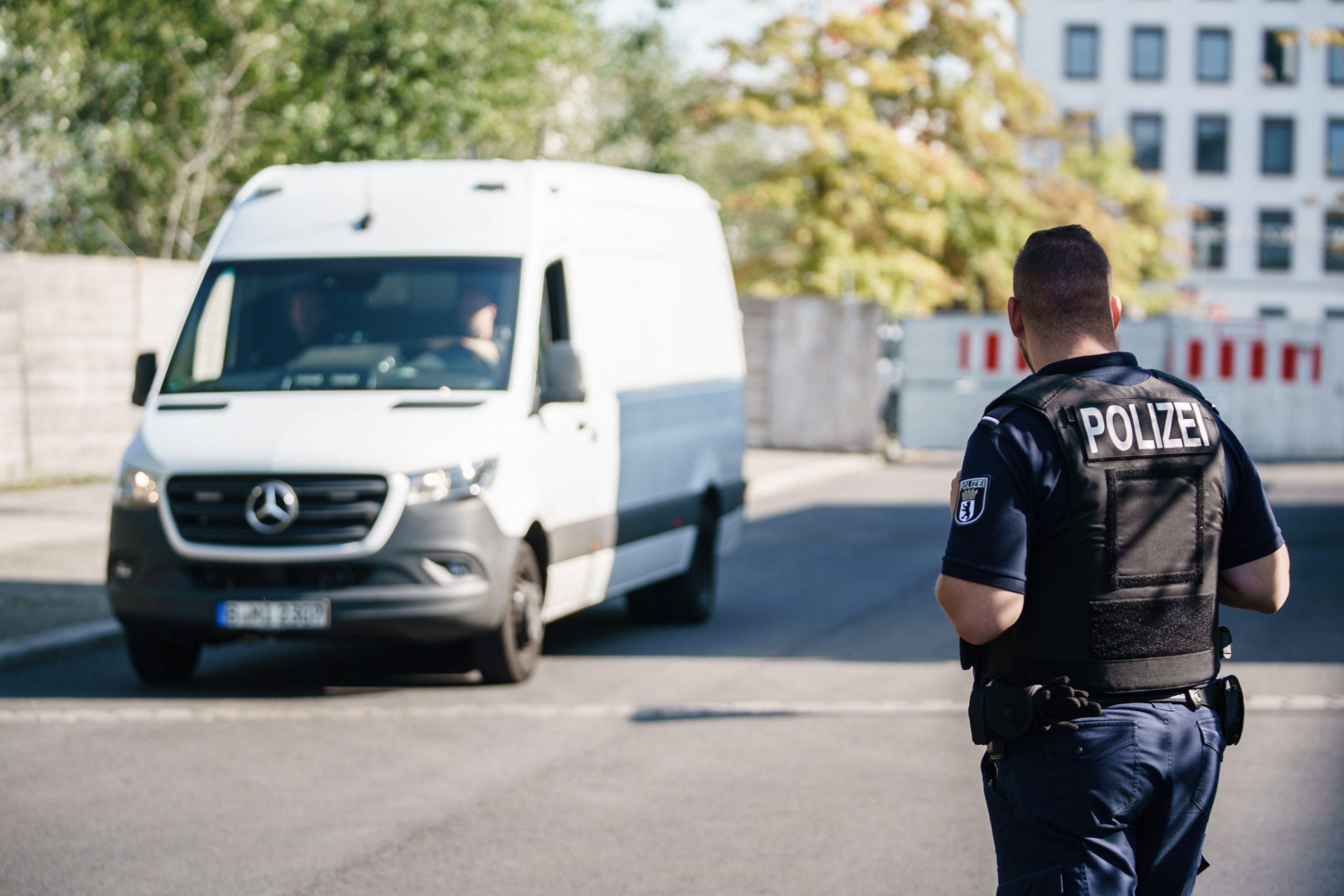 Ungarischer Menschenschmuggler in Deutschland festgenommen