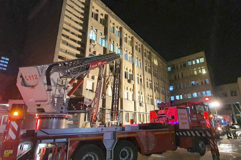 Krankenhausbrand in Rumänien: Präsident und Außenminister Ungarns sprechen Beileid aus
