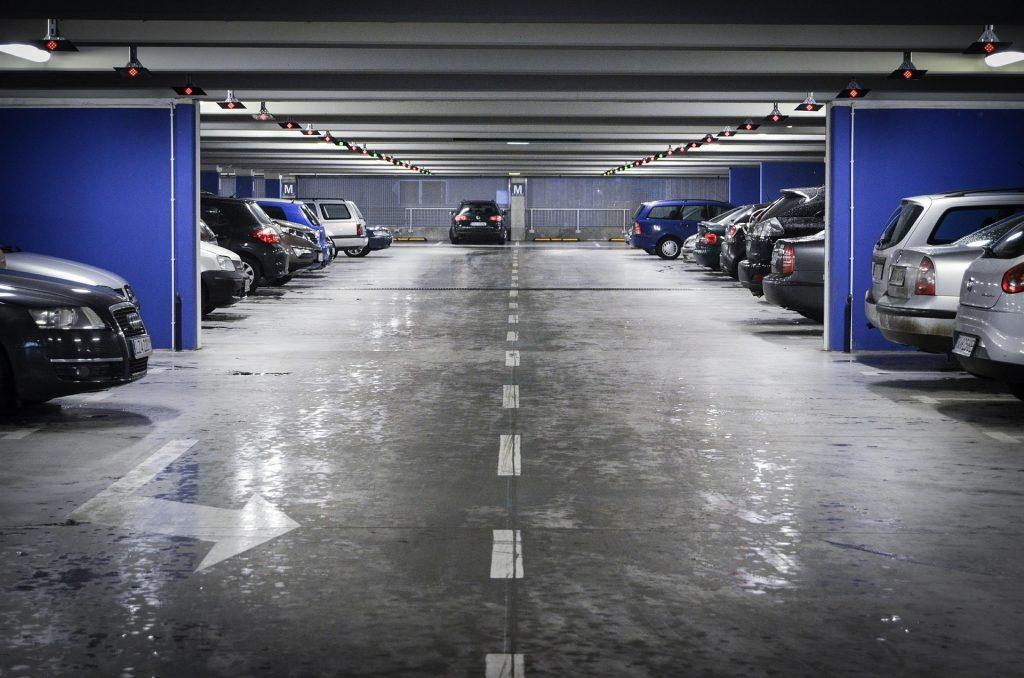 Kostenloses Parken in gewerblichen Garagen ab Montag
