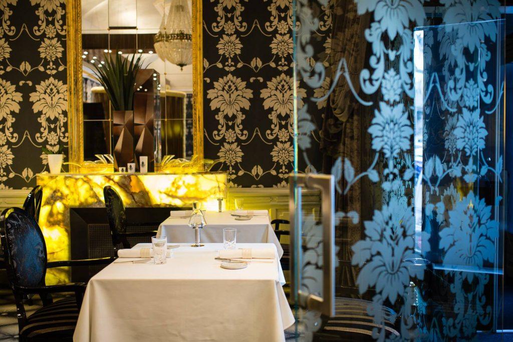 """""""Letztes Abendmahl"""" im Michelin-Restaurant: Möbel wurden zerschlagen"""