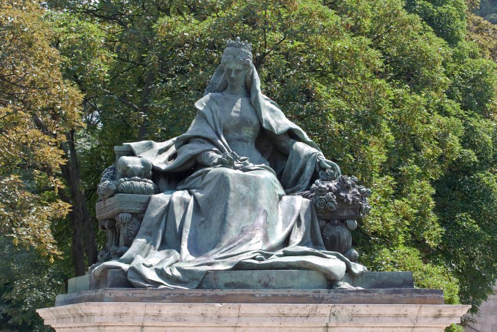 Die spannenden Schicksale der Sisi-Denkmäler in Budapest und Gyula