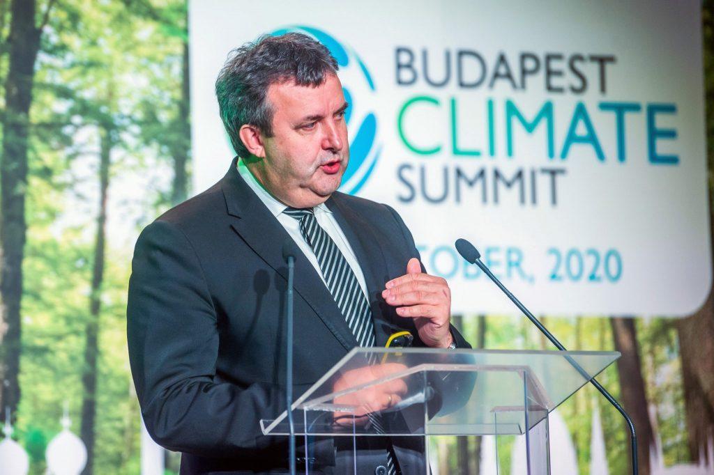 Innovationsminister Palkovics bestreitet Bericht über geplantes Klimaziel-Veto post's picture
