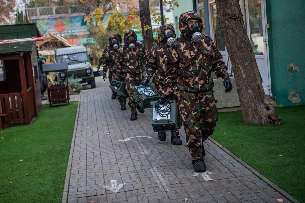 Armee desinfiziert weitere Institutionen