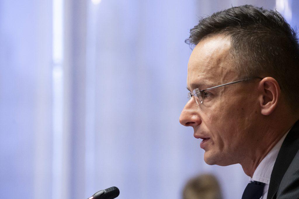 """Außenminister: """"Ungarn will die Migration stoppen"""""""