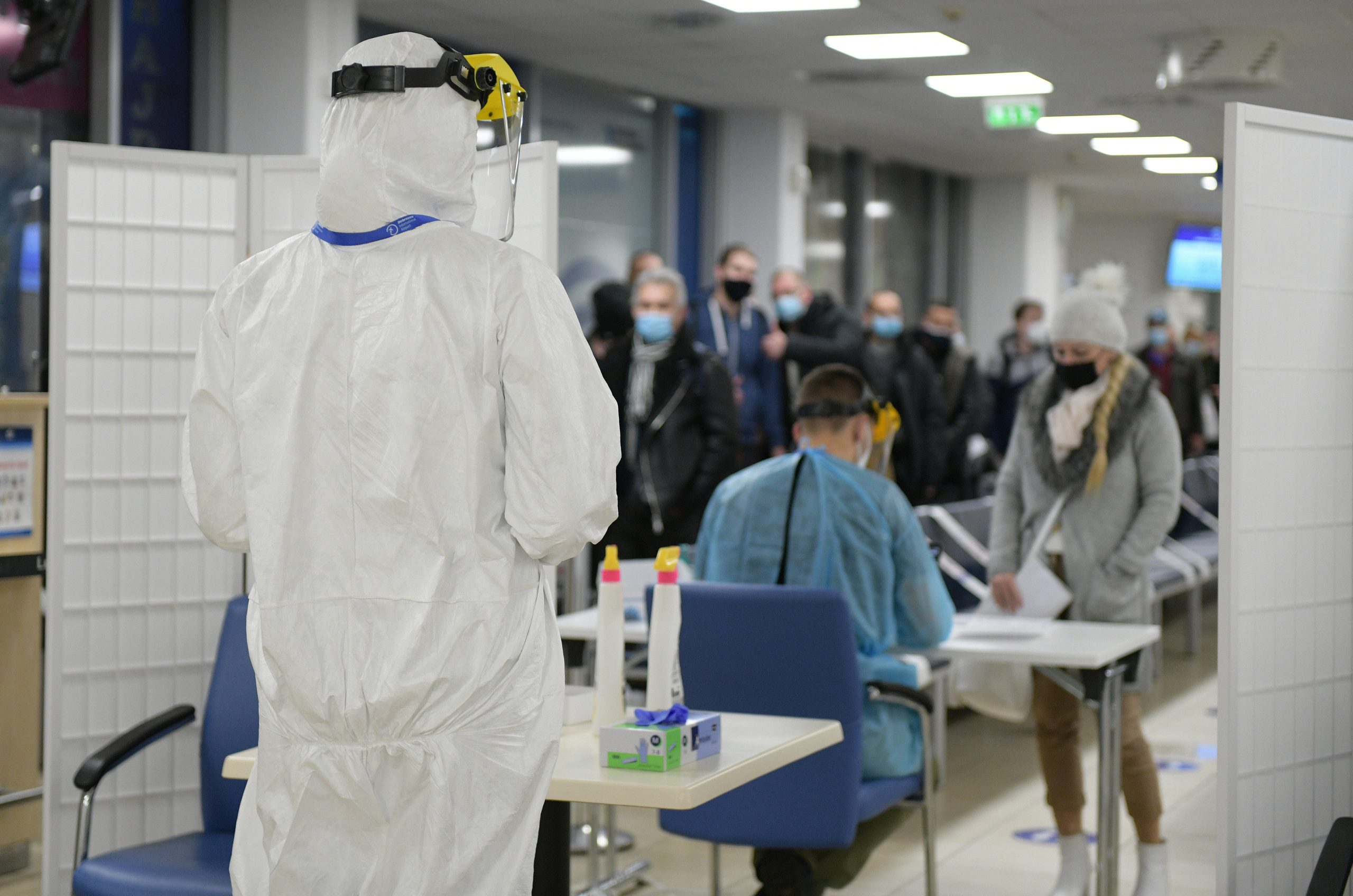 Coronavirus - Testlabor am Flughafen Liszt Ferenc eröffnet