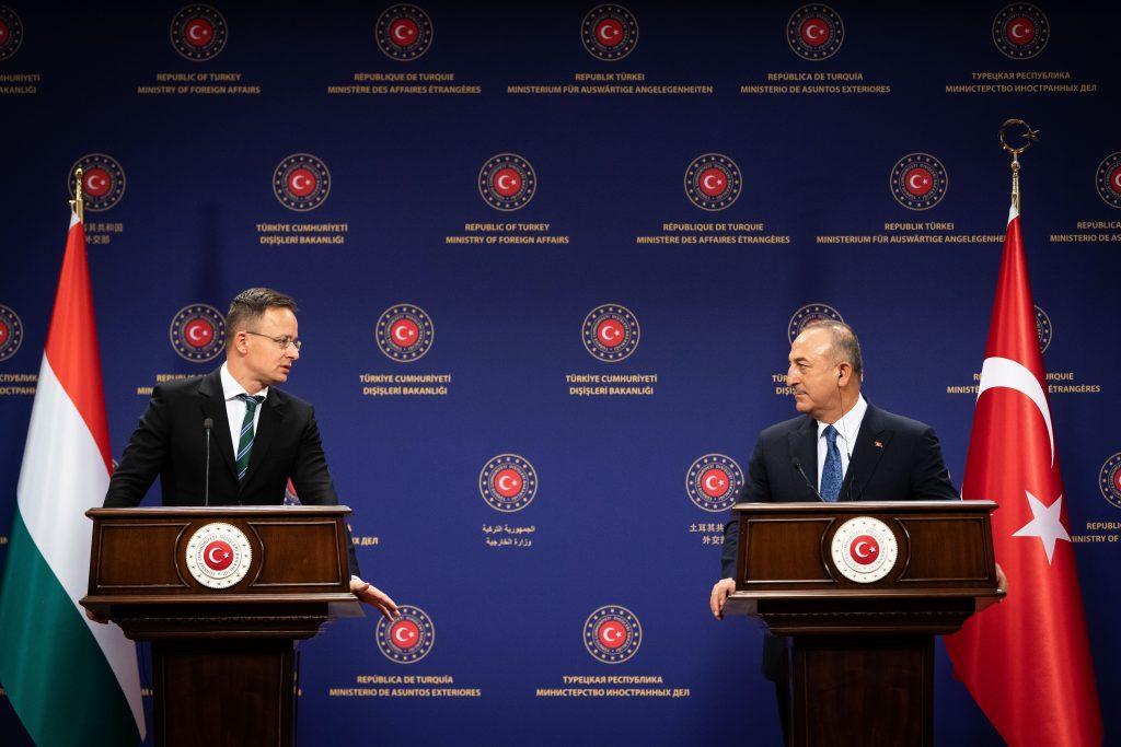 Szijjártó: Europas Sicherheit weitgehend in den Händen der Türkei