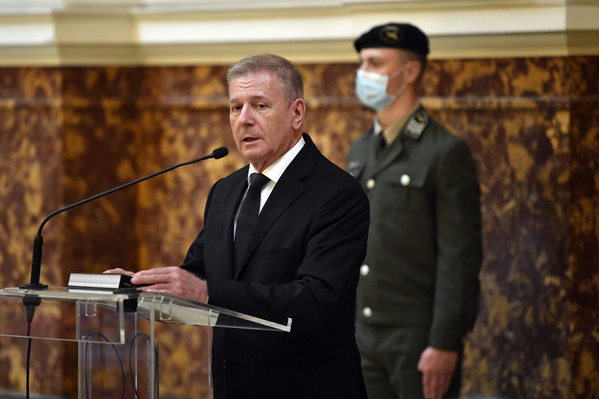 Verteidigungsminister: Armeeentwicklungsprogramm 'Reaktion auf Verteidigungsherausforderungen'