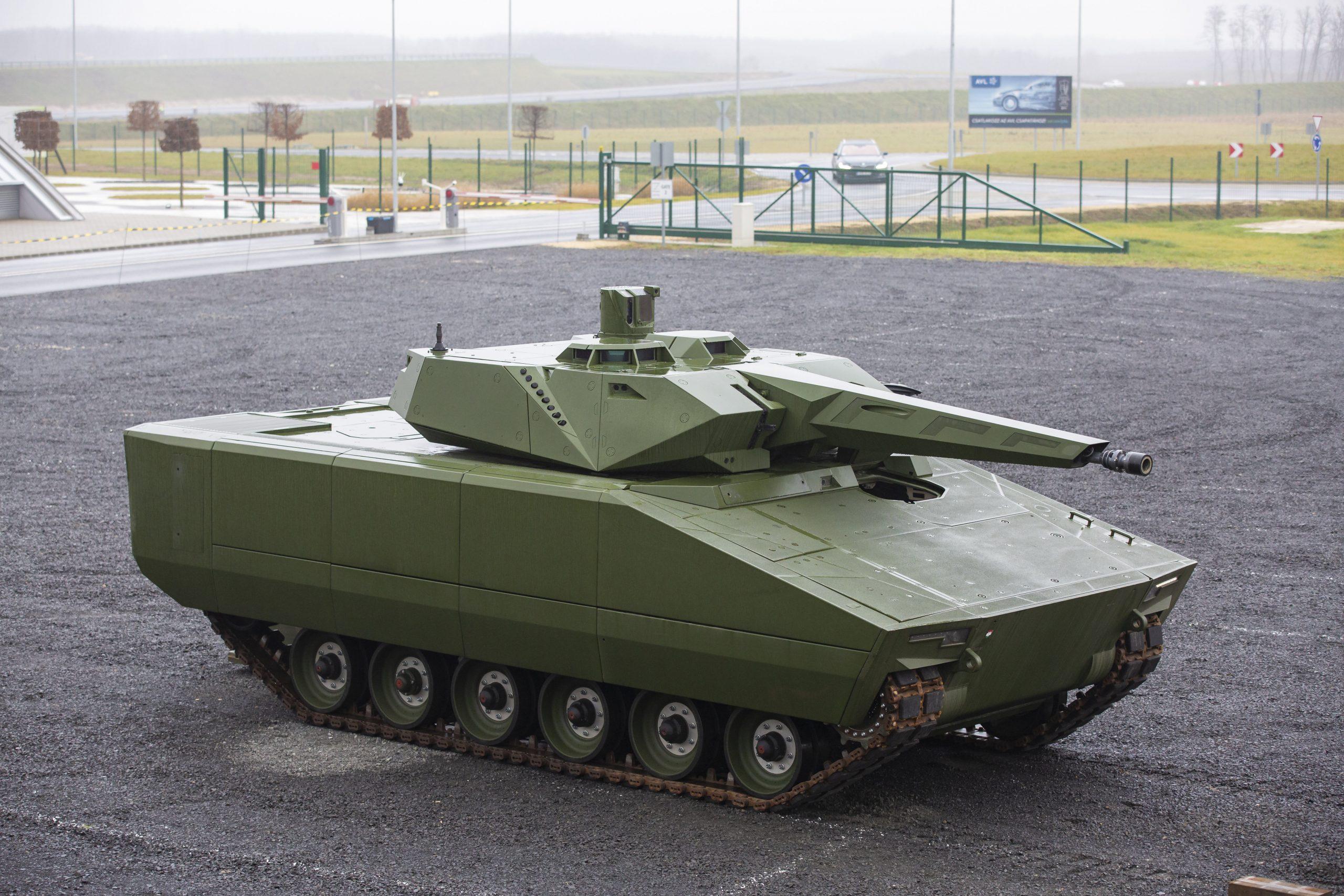Grundstein für Werk von Lynx-Schützenpanzer gelegt