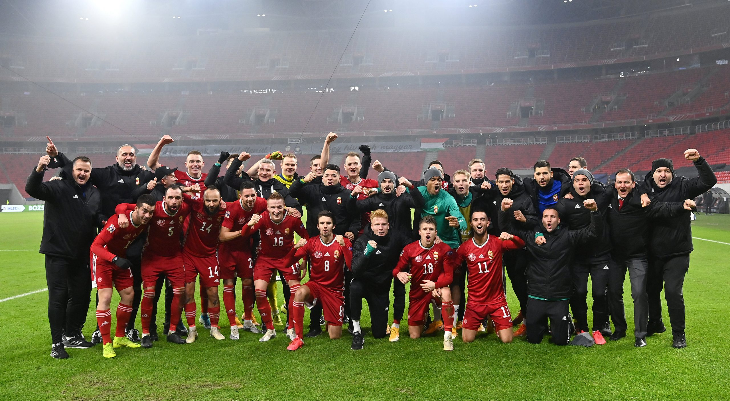 Fußball-EM: Ungarische Nationalmannschaft kniet nicht nieder