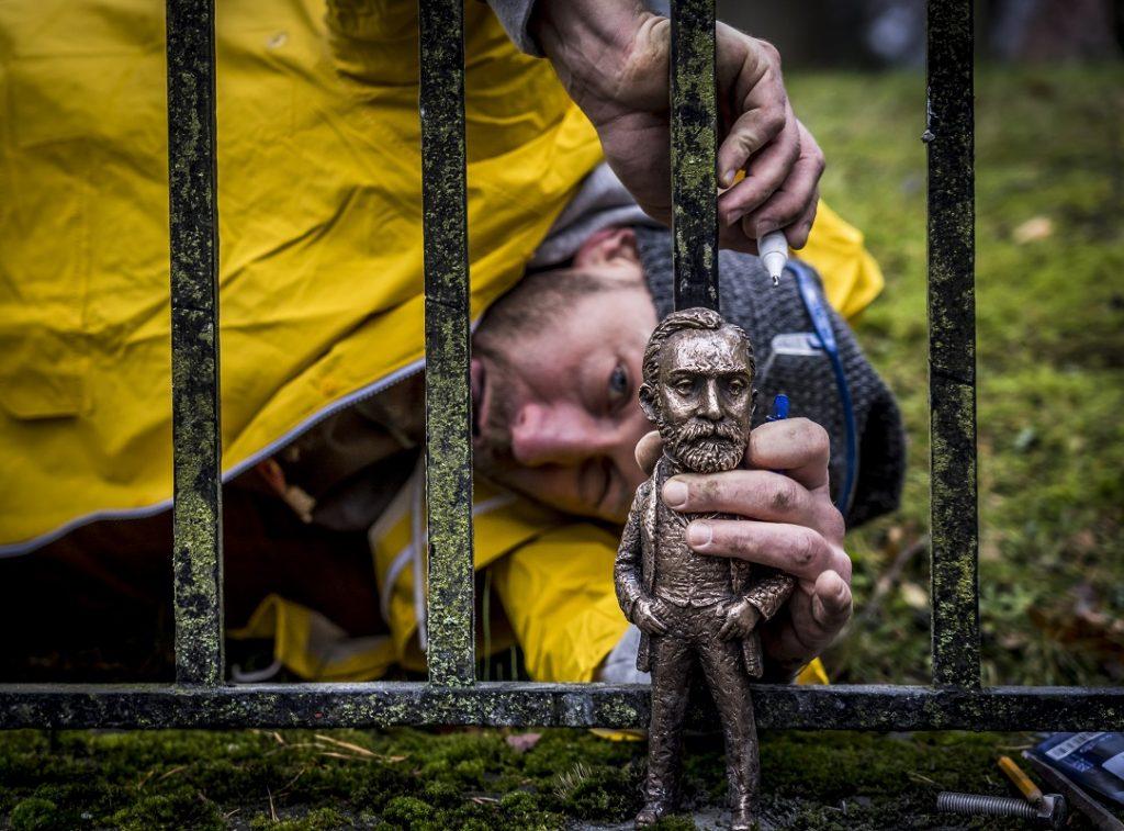 Nobel-Skulptur eines Bildhauers aus Transkarpatien in Stockholm ausgestellt
