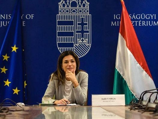 """Justizministerin: """"EP bleibt Teil des Problems, nicht der Lösung"""""""