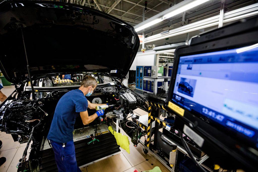 Mercedes-Werk in Kecskemét stellt die Produktion wegen Versorgungsengpässen ein