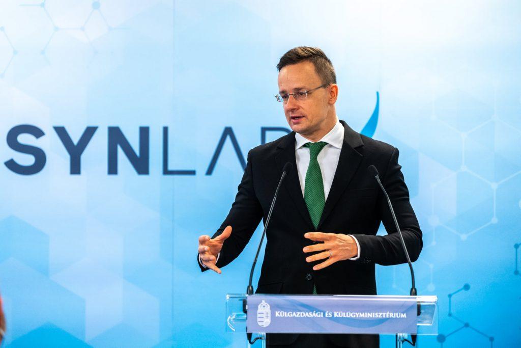 Außenminister: SYNLAB investiert in ein Coronavirus-Testlabor