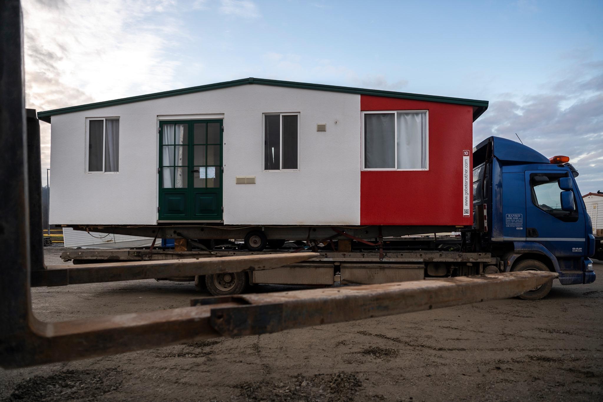 Ungarn schickt Wohncontainer nach vom Erdbeben heimgesuchte Kroatien