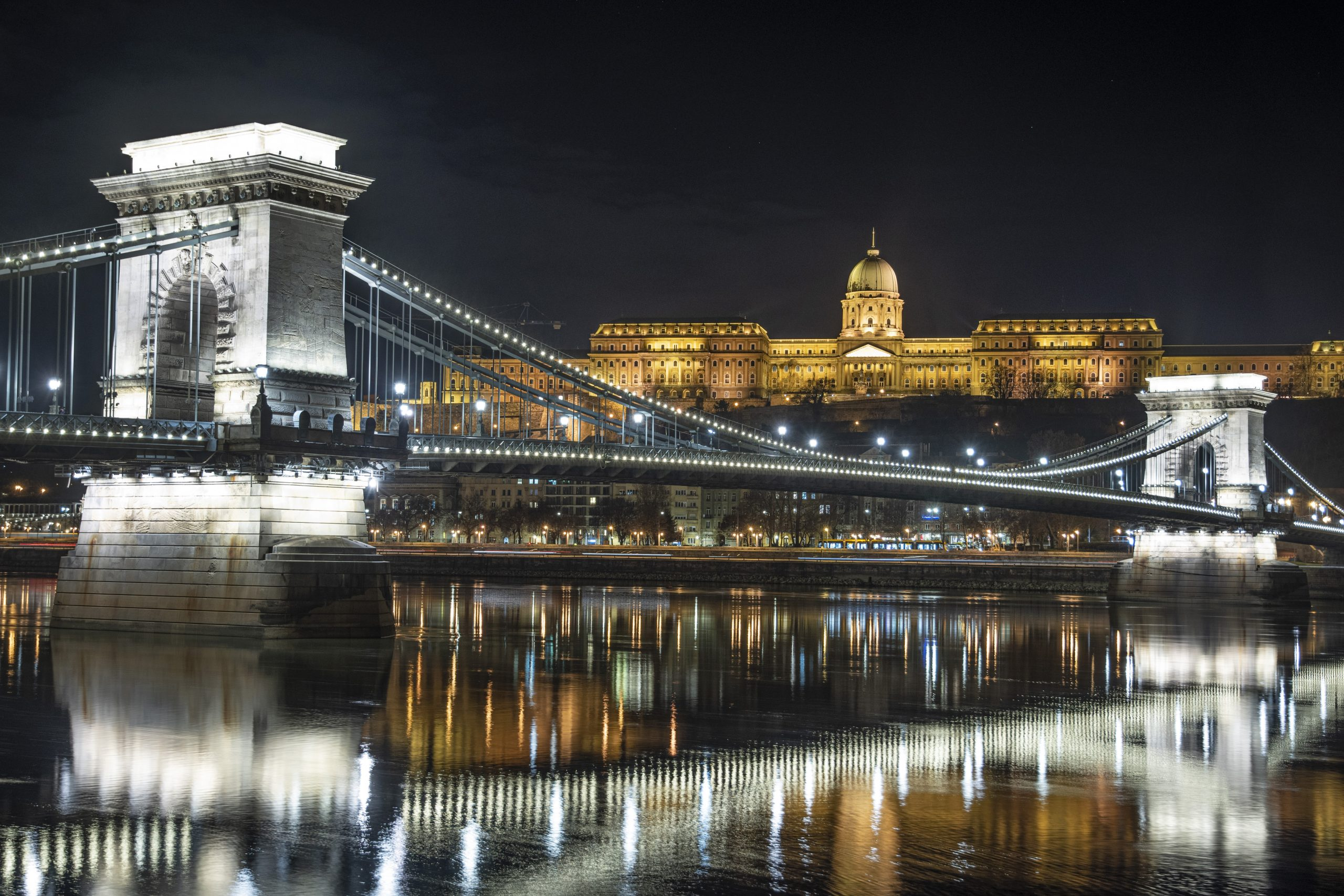 Fidesz: Sanierungsplan der Kettenbrücke teurer als zuvor