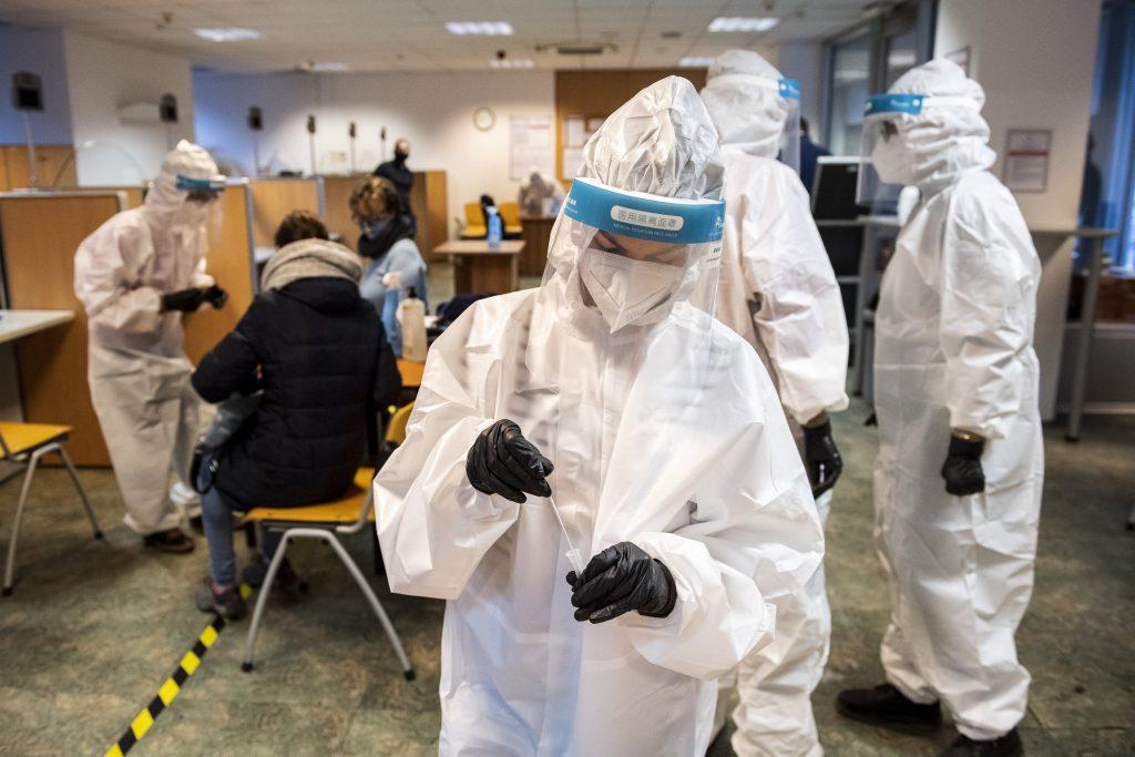 Corona am Freitag: 1513 Neuinfektionen 111 Todesfälle