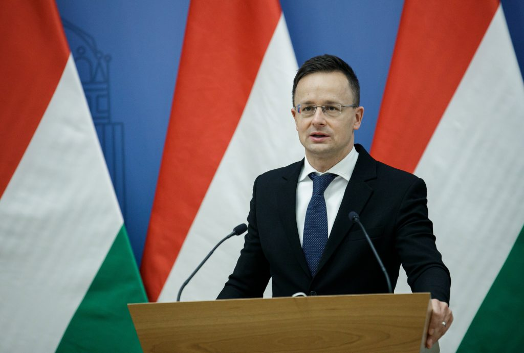 """Außenminister: """"Bidens Kritik über Ungarns Demokratie ist eine Beleidigung gegen die Nation"""""""