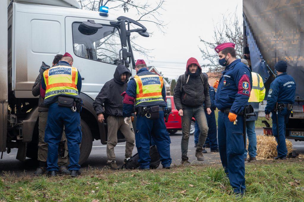 Syrische Menschenschmuggler in Südungarn angeklagt