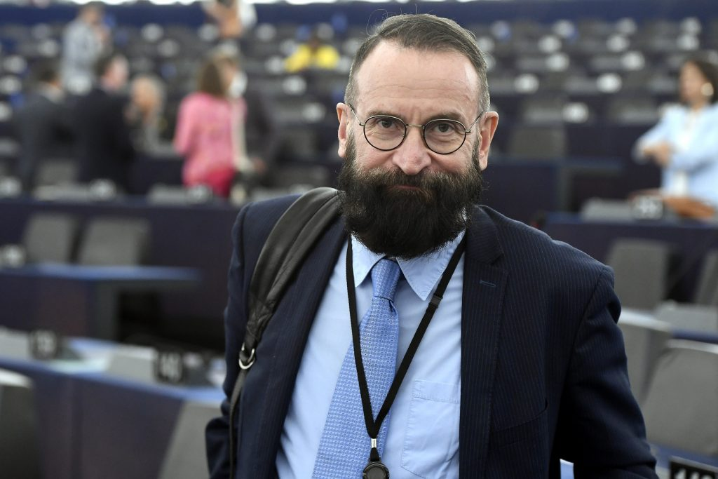 József Szájer verzichtet auf Diplomatenpass
